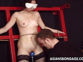 Порно азиаток с секс игрушками foros