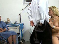 жесткий секс с медсестрой
