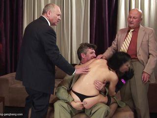 Порно свинг зрелых