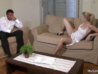 Порно кастинг зрелых теток